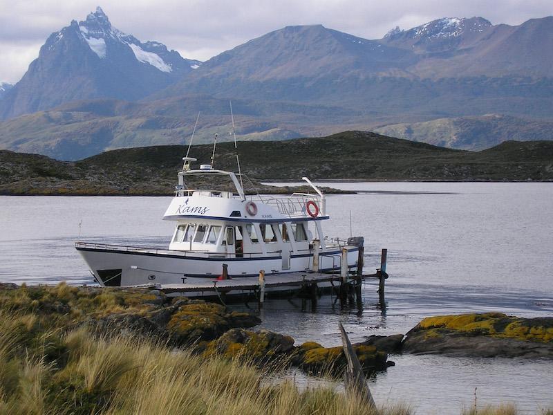Kleines Schiff in Argentinien