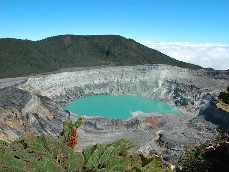 Blick in den Vulkan Poas